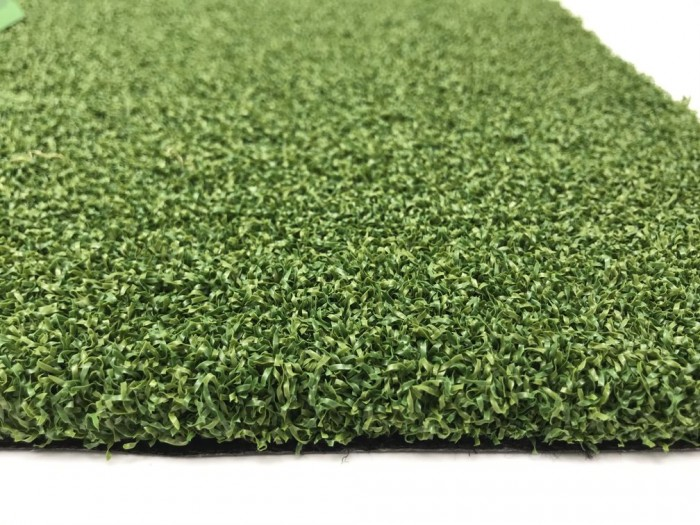 PUTTING GREEN 12MM GRASS ROLL - BLACK BACKING