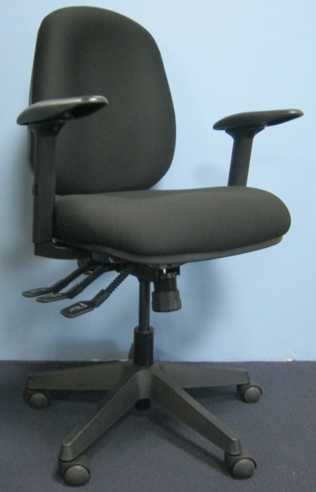 SAGA OFFICE CHAIR WITH 3D ARM